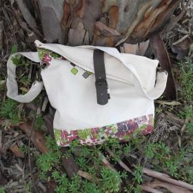 Πολύχρωμη Τσάντα Ταχυδρόμου από Κανβά