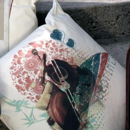 """Μαξιλάρι με Σχέδιο """"Vintage Vespa"""""""
