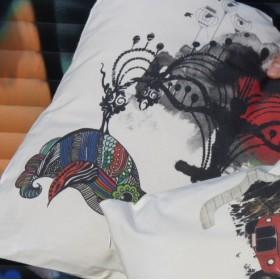 Μαξιλάρι με Κόμικ Χρωματιστά Πουλιά
